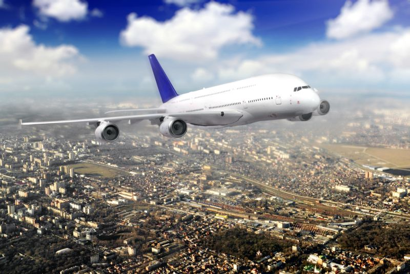 https: img-z.okeinfo.net content 2018 02 15 406 1860311 kunjugngan-wisatawan-meningkat-jumlah-maskapai-penerbangan-yang-buka-rute-jakarta-banyuwangi-bertambah-yC8btiC70T.jpg