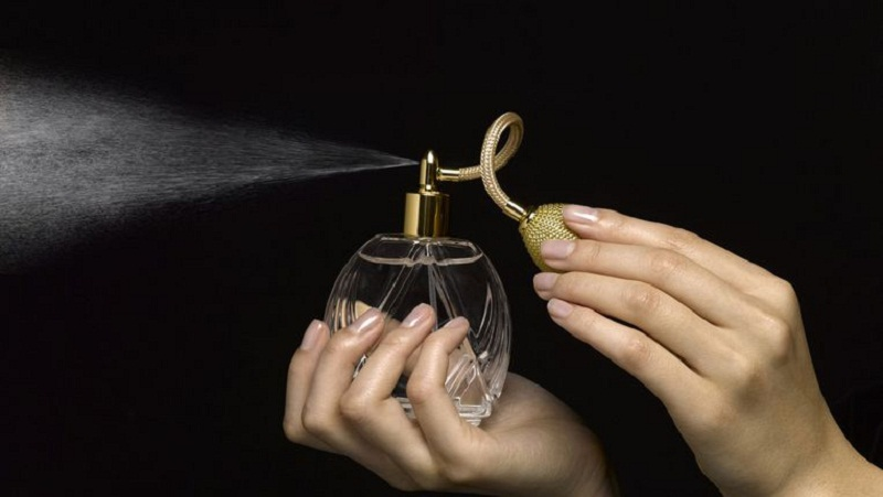 https: img-z.okeinfo.net content 2018 02 21 194 1862695 ini-alasan-parfum-prancis-banyak-disukai-menurut-expertnya-HPAzQSIQ9u.jpg