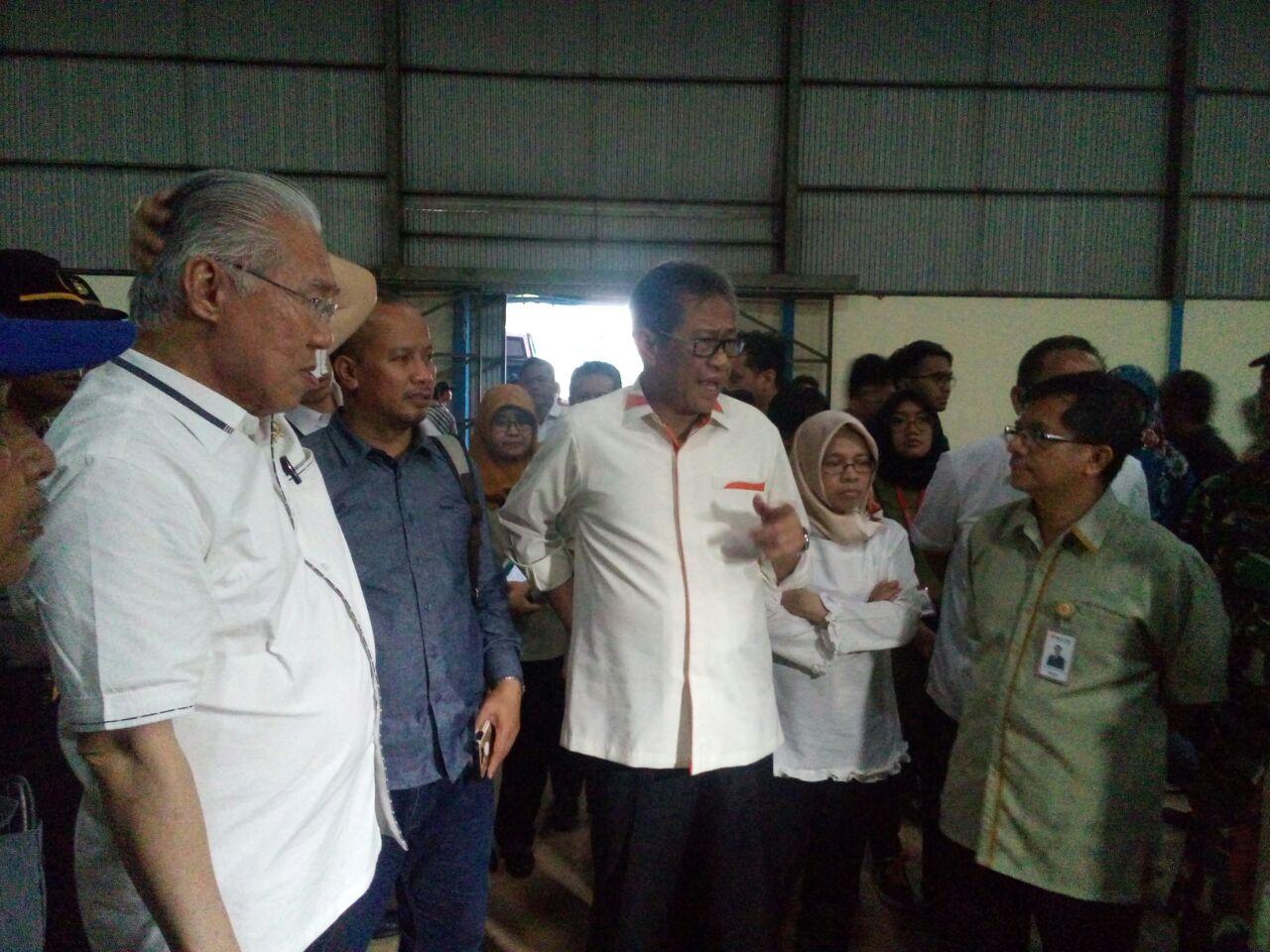 https: img-z.okeinfo.net content 2018 02 28 320 1865903 gudang-beras-bulog-di-indramayu-kosong-apa-benar-indonesia-surplus-beras-WMFDtFRpFT.jpeg