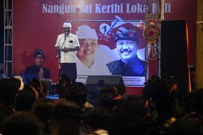 https: img-z.okeinfo.net content 2018 03 05 340 1868354 warga-denpasar-curhat-sulit-dapat-akses-ke-pantai-untuk-upacara-ke-wayan-koster-uU7SLHsJfo.jpg