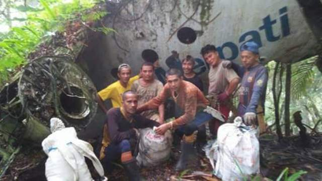 https: img-z.okeinfo.net content 2018 03 08 340 1869717 bangkai-pesawat-merpati-yang-jatuh-26-tahun-silam-hebohkan-warga-gorontalo-TWn1IpBAIH.jpg