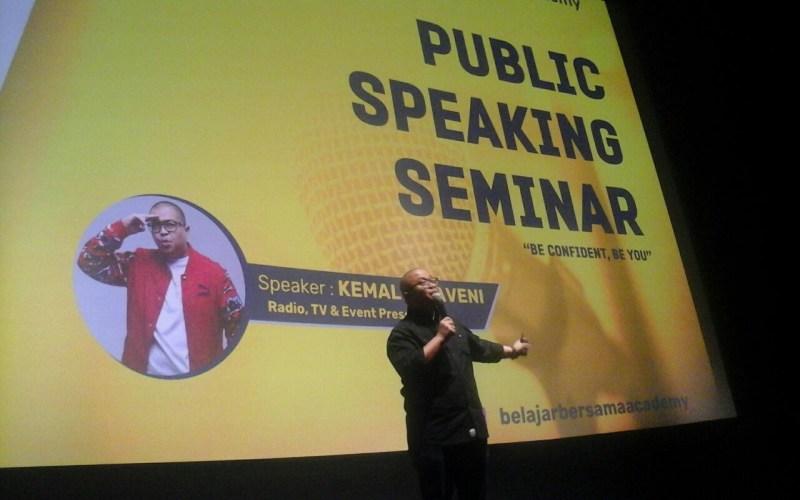 https: img-z.okeinfo.net content 2018 03 09 65 1870234 asah-soft-skill-mahasiswa-universitas-bakrie-gelar-seminar-public-speaking-8yz21M1VOd.jpg