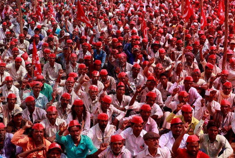 https: img-z.okeinfo.net content 2018 03 12 18 1871589 puluhan-ribu-petani-india-unjuk-rasa-keluhkan-dana-bantuan-pertanian-YXMKiFhqMg.JPG