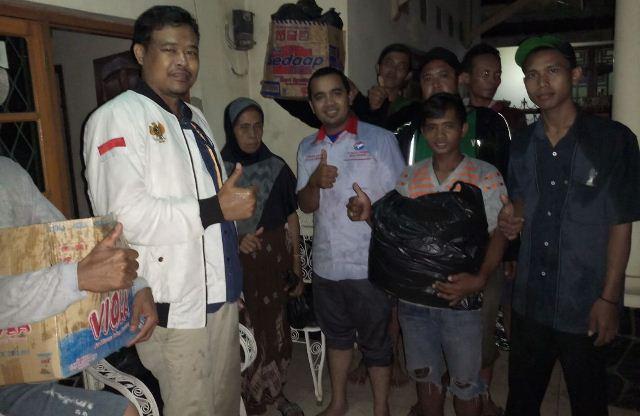 https: img-z.okeinfo.net content 2018 03 12 525 1871774 perindo-cirebon-salurkan-bantuan-kepada-korban-banjir-qONdg9fQ5q.jpg