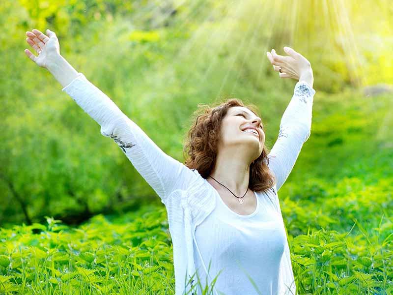 https: img-z.okeinfo.net content 2018 03 13 196 1872099 5-tips-agar-merasa-bahagia-setiap-bangun-di-pagi-hari-gyzzd25wWw.jpg