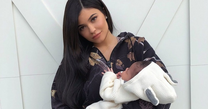 https: img-z.okeinfo.net content 2018 03 13 298 1871998 kylie-jenner-ungkap-makanan-favoritnya-saat-hamil-dan-setelah-melahirkan-zs1arZcmq9.jpg