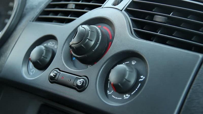 https: img-z.okeinfo.net content 2018 03 13 481 1872112 ini-bahayanya-jika-tidak-menjaga-kebersihan-udara-di-dalam-mobil-8Olys3iVEs.jpg