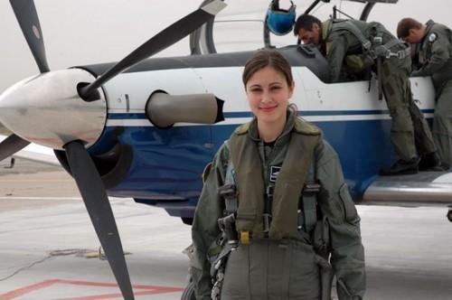 https: img-z.okeinfo.net content 2018 03 14 194 1872412 bukan-cuma-tangguh-5-negara-ini-punya-anggota-militer-wanita-super-cantik-kvlAAhIms3.jpg