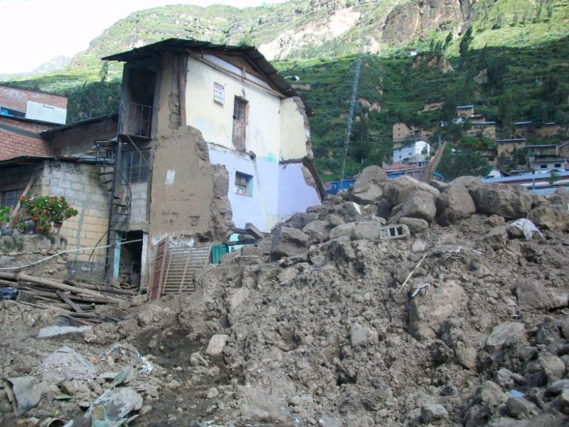 https: img-z.okeinfo.net content 2018 03 18 18 1874521 gempa-kecil-sebabkan-kehancuran-satu-kota-di-peru-DUZek19wHa.jpg