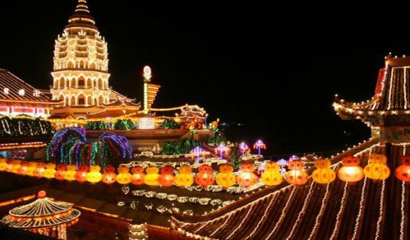 https: img-z.okeinfo.net content 2018 03 18 406 1874356 penang-destinasi-wisata-favorit-warga-sumatera-bGwipeoNAC.jpg