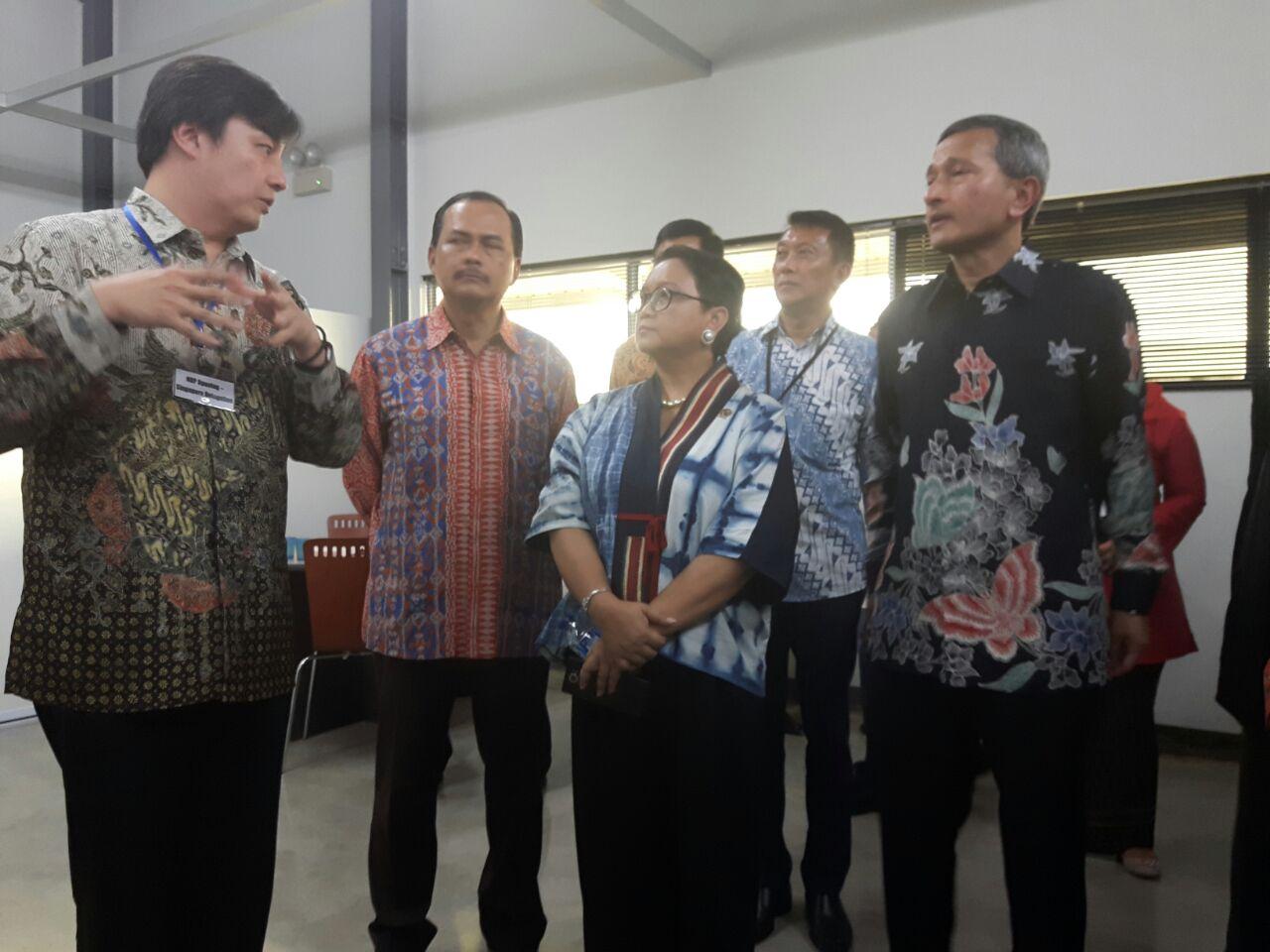 https: img-z.okeinfo.net content 2018 03 20 320 1875595 menteri-retno-resmikan-gerbang-ekonomi-digital-indonesia-ZzcCJ4Ez0M.jpg