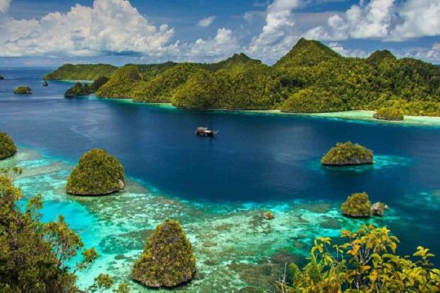https: img-z.okeinfo.net content 2018 03 20 406 1875354 generasi-millenial-kian-melek-akan-indahnya-alam-indonesia-318Lo7jtgU.jpg