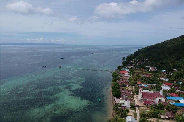 https: img-z.okeinfo.net content 2018 03 21 406 1876001 pulau-manado-tua-destinasi-wisata-baru-di-taman-nasional-bunaken-gcyeFMaW8z.jpg
