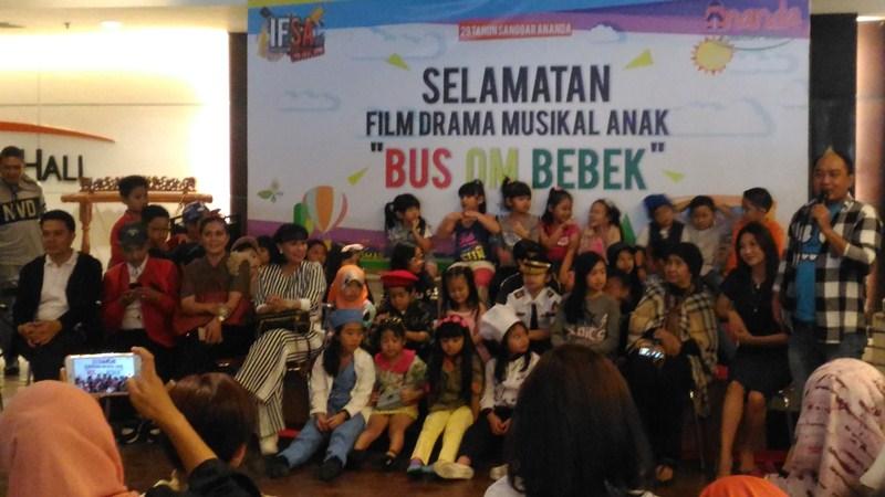 https: img-z.okeinfo.net content 2018 03 28 206 1879285 drama-musikal-bus-om-bebek-bakal-jadi-tontonan-seru-anak-anak-indonesia-LnXDmAuA3K.JPG
