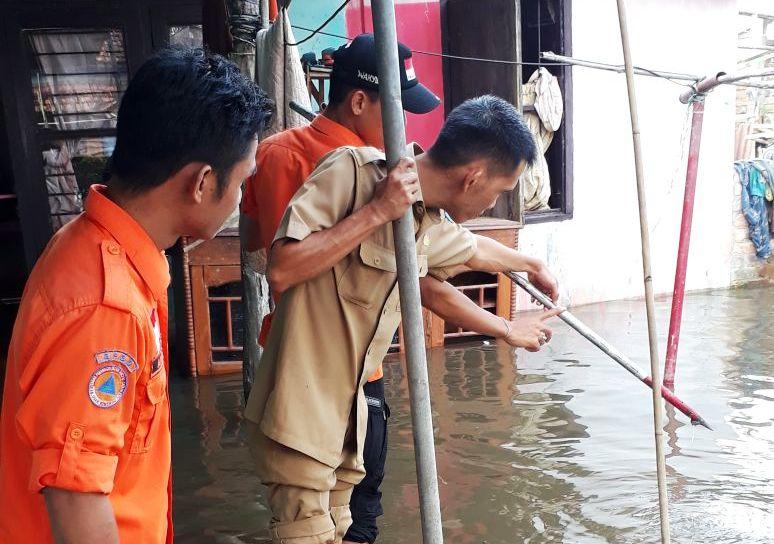 https: img-z.okeinfo.net content 2018 03 29 340 1879694 banjir-hingga-1-meter-kepung-kabupaten-oki-sumsel-nEGD5PEWjN.jpg