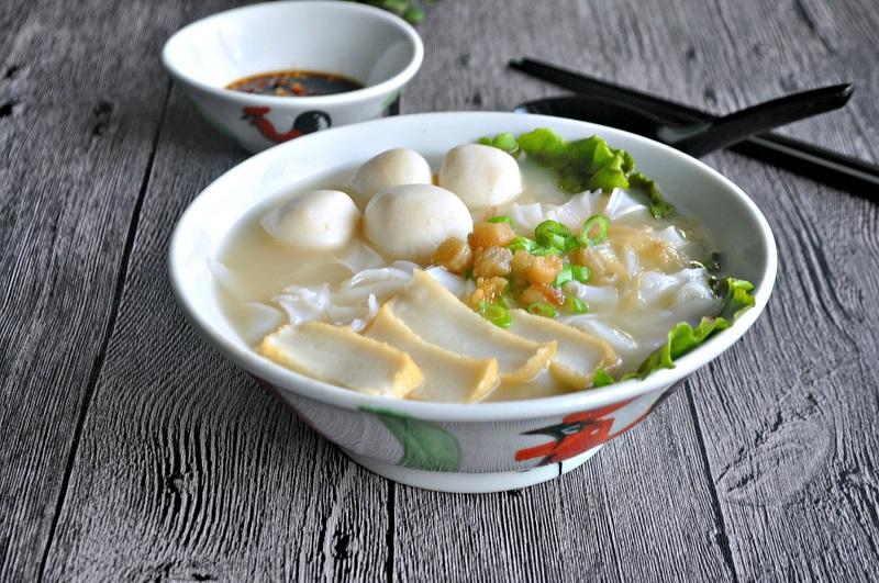https: img-z.okeinfo.net content 2018 04 11 298 1885135 2-rekomendasi-menu-sarapan-sehat-sup-bakso-ikan-dan-tahu-telur-petis-ZQZuHNEwoC.jpg