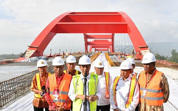 https: img-z.okeinfo.net content 2018 04 12 320 1885926 presiden-jokowi-jembatan-holtekamp-tumbuhkan-perekonomian-baru-di-jayapura-xJvYSRLkJR.png