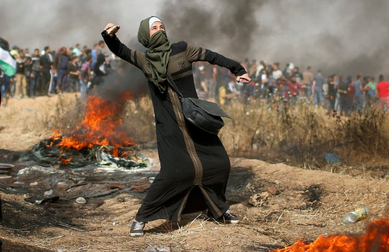 https: img-z.okeinfo.net content 2018 04 14 18 1886678 cerita-perempuan-palestina-di-garis-depan-demonstrasi-terhadap-israel-xMlHSSaKix.JPG