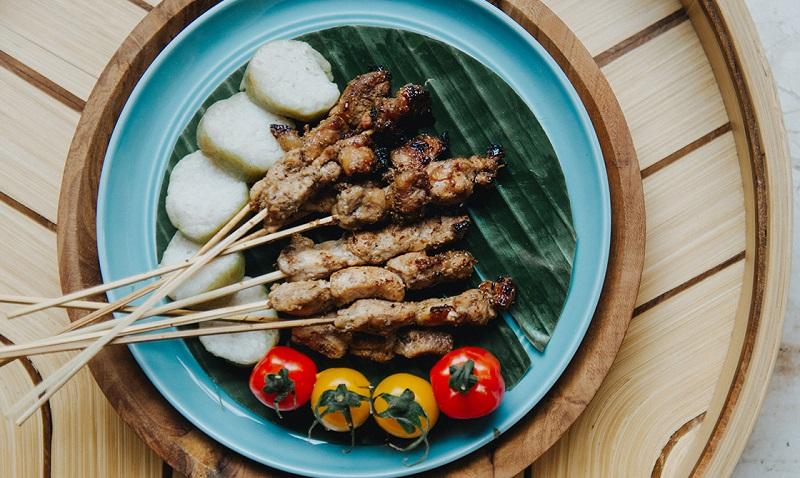 https: img-z.okeinfo.net content 2018 04 14 298 1886629 kemenpar-ubud-bisa-jadi-destinasi-gastronomi-bestandar-unwto-57d8dN9TqB.jpg