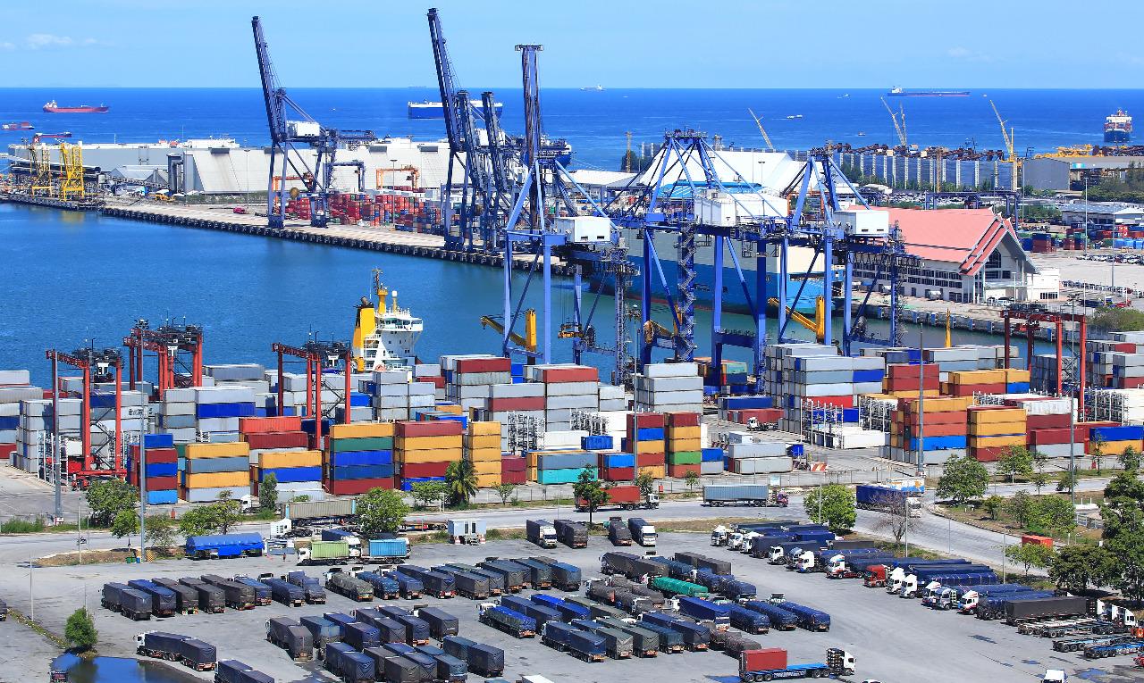 https: img-z.okeinfo.net content 2018 04 15 320 1886970 menperin-pelabuhan-bengkulu-dikembangkan-jadi-kawasan-ekonomi-khusus-D4tCPcwxQp.jpeg
