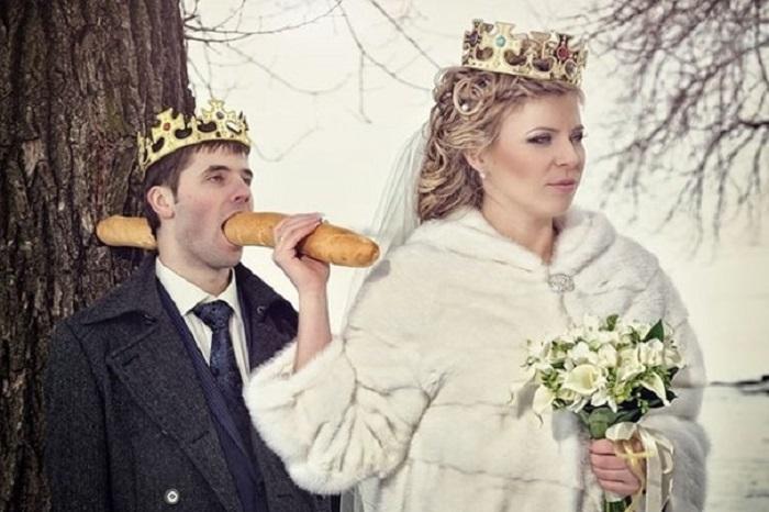 https: img-z.okeinfo.net content 2018 04 16 196 1887098 unik-6-foto-pernikahan-di-rusia-ini-bikin-geleng-geleng-pVrAleMOUo.jpg