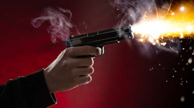 https: img-z.okeinfo.net content 2018 04 16 338 1887463 rebut-senpi-polisi-bandar-sabu-tewas-ditembak-di-kemayoran-V9PYivstpg.jpg