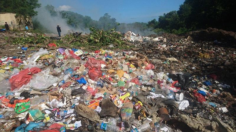 https: img-z.okeinfo.net content 2018 04 16 406 1887167 sampah-di-taman-nasional-komodo-sudah-mulai-terkendali-cQVlaHqnrw.jpg