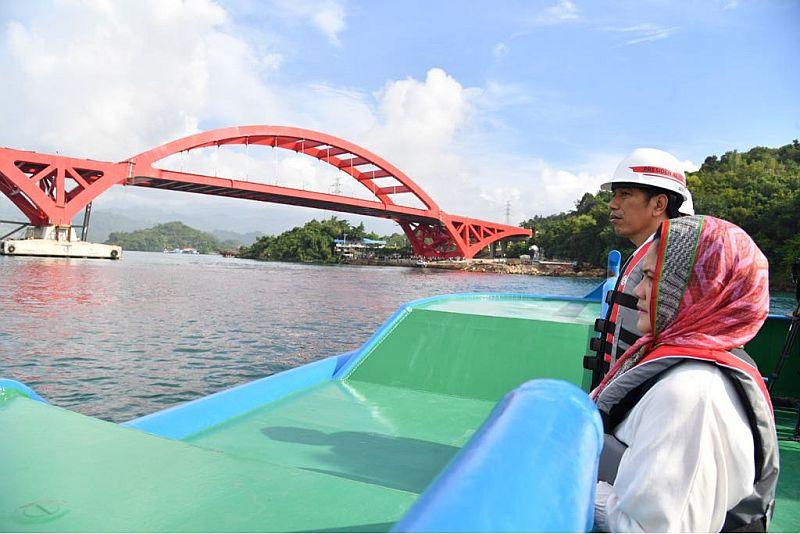 https: img-z.okeinfo.net content 2018 04 17 320 1887689 jembatan-kalikuto-senilai-rp50-miliar-jadi-ikon-tol-batang-semarang-9J5EVq34iG.jpg