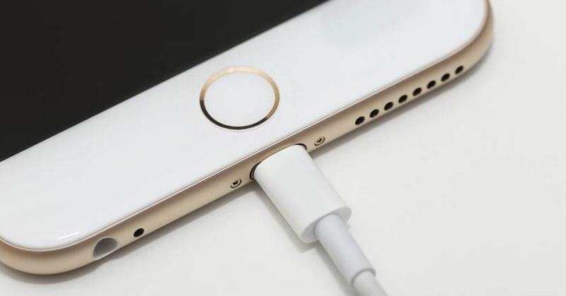 https: img-z.okeinfo.net content 2018 04 21 57 1889771 tips-bikin-baterai-smartphone-jadi-lebih-irit-hingga-apple-bakal-produksi-2-ponsel-berpanel-lcd-DGWNHl1YyS.jpg