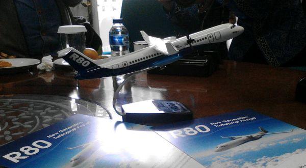 https: img-z.okeinfo.net content 2018 04 23 320 1890240 pesawat-r80-ditargetkan-terbang-2022-lHgSiKYaXH.jpg