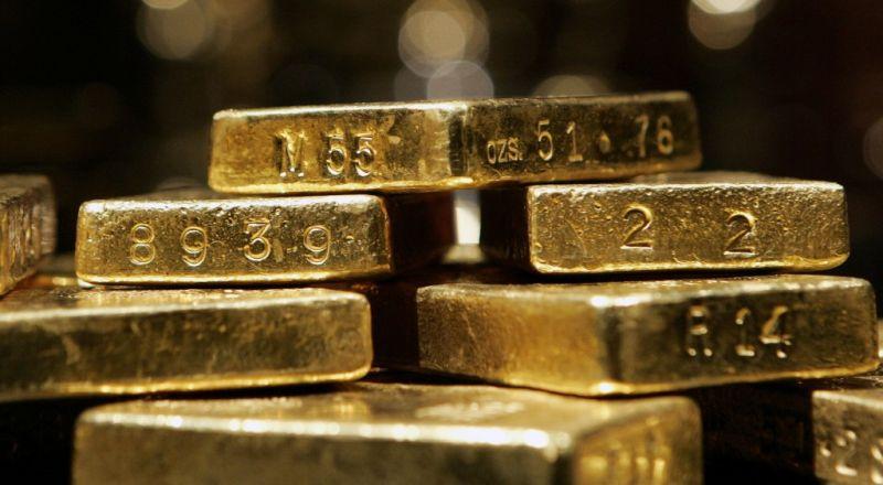 https: img-z.okeinfo.net content 2018 04 24 320 1890662 harga-emas-turun-tajam-tertekan-penguatan-dolar-as-wJVvqrSMMS.jpg
