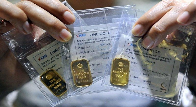 https: img-z.okeinfo.net content 2018 04 24 320 1890692 harga-emas-antam-tak-berubah-di-rp660-000-PsLqQvAfXV.jpg
