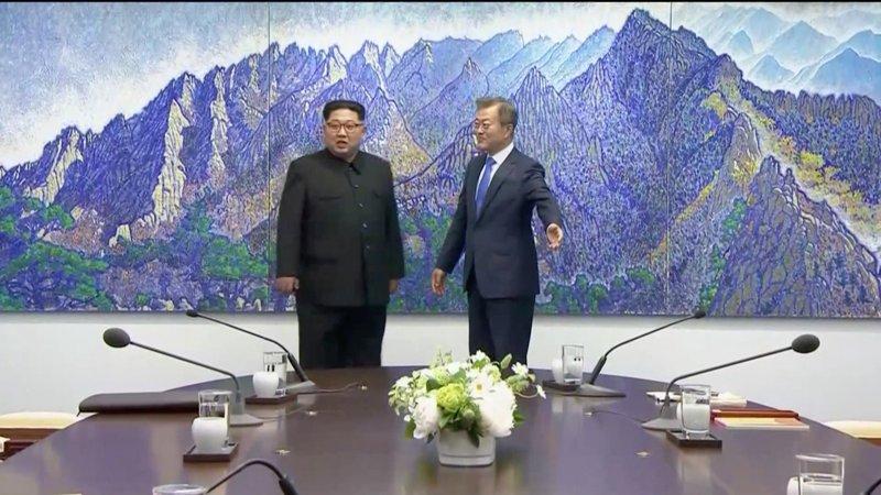 https: img-z.okeinfo.net content 2018 04 27 18 1892092 inilah-para-elit-lingkaran-sembilan-yang-dibawa-kim-jong-un-ke-korea-selatan-wpaSUVeMdx.jpg