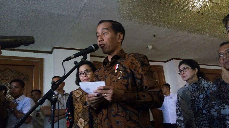 https: img-z.okeinfo.net content 2018 04 30 278 1892791 rupiah-dekati-rp14-000-usd-presiden-jokowi-fundamental-ekonomi-ri-masih-kuat-Mj2lQLBza9.jpg