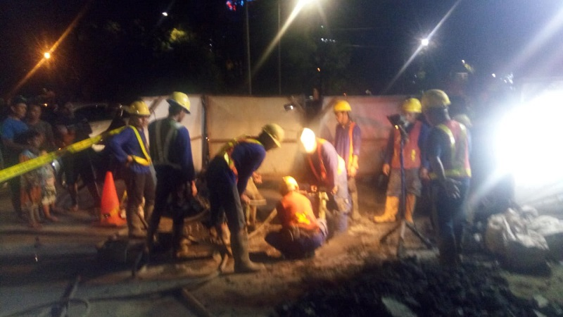 https: img-z.okeinfo.net content 2018 05 02 338 1893439 jatuh-dan-terjebak-di-gorong-gorong-pluit-pekerja-tewas-ZKYoJTqVLb.jpg