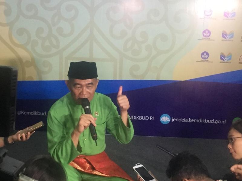 https: img-z.okeinfo.net content 2018 05 02 65 1893685 mendikbud-pendidikan-indonesia-butuh-penguatan-hots-3HGU8inzuR.jpg