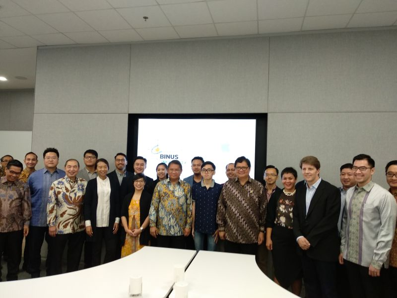 https: img-z.okeinfo.net content 2018 05 07 207 1895425 apple-buka-developer-academy-di-indonesia-untuk-sistem-ios-pertama-di-asia-tenggara-K20ri0iizB.jpg