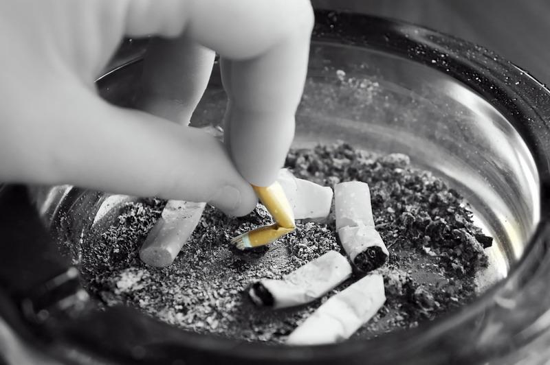 https: img-z.okeinfo.net content 2018 05 07 481 1895353 perokok-pemula-usianya-makin-muda-target-pemerintah-turunkan-prevelensi-merokok-sulit-tercapai-a2AtOZIPcT.jpg