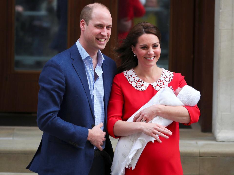 https: img-z.okeinfo.net content 2018 05 09 196 1896502 pangeran-william-tak-ambil-cuti-saat-kelahiran-anak-ketiga-kenapa-ya-PlmuSs5icf.jpg