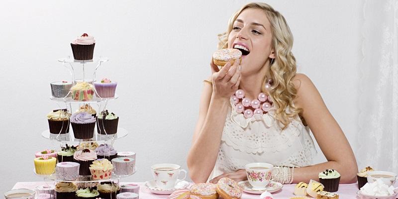 https: img-z.okeinfo.net content 2018 05 10 481 1896642 suka-makanan-manis-awas-ini-bahayanya-konsumsi-gula-berlebihan-FGvsRBAcEQ.jpg