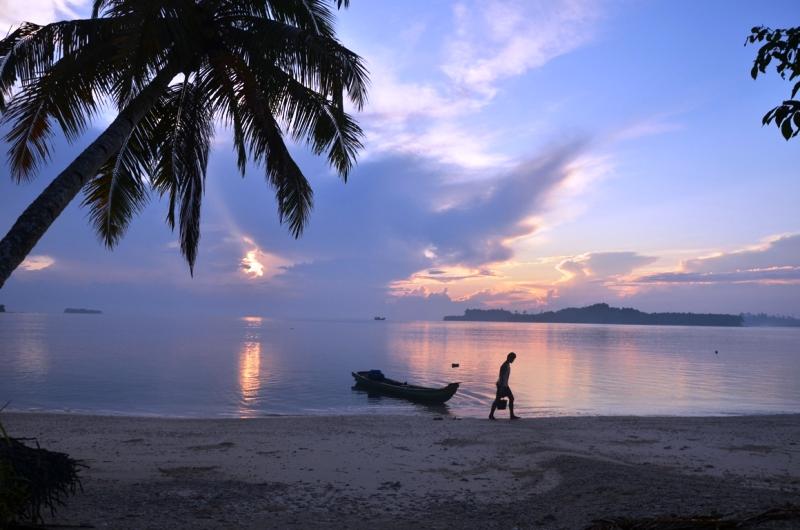 https: img-z.okeinfo.net content 2018 05 11 406 1896857 flores-timur-surganya-pencari-virgin-beach-jl5s9urpQg.jpg