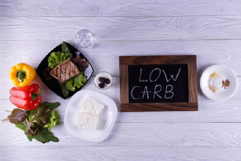 https: img-z.okeinfo.net content 2018 05 11 481 1897227 mau-kurus-kurangi-makan-karbohidrat-bahaya-ini-mengintai-kesehatan-anda-GuUyjvYubx.jpg