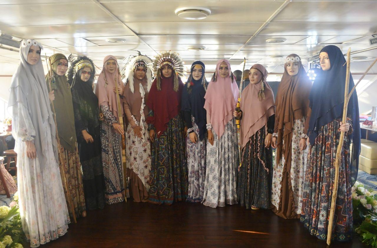 https: img-z.okeinfo.net content 2018 05 14 194 1898109 sambut-ramadan-busana-muslim-jawhara-syari-usung-tema-bohemian-pz90p1f2Pl.jpeg