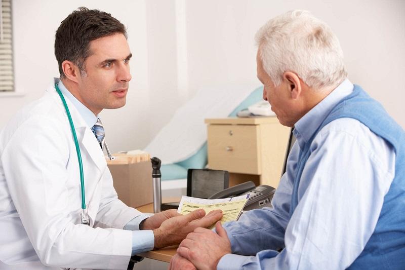 https: img-z.okeinfo.net content 2018 05 14 481 1898042 faktor-faktor-yang-dapat-meningkatkan-risiko-osteoporosis-pada-pria-xKKM0yVJSW.jpg