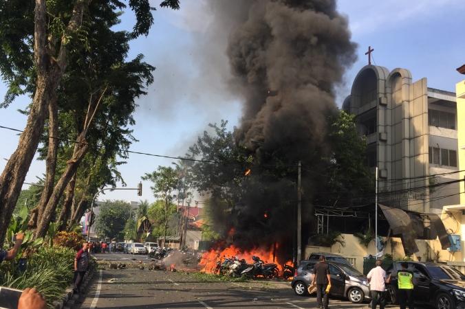 Bom yang meledak di Gereja Pantekosta, Surabaya. (Foto: Antara)