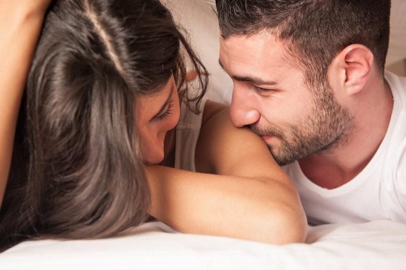 https: img-z.okeinfo.net content 2018 05 16 481 1899161 tetap-intim-bersama-pasangan-meski-tanpa-seks-di-bulan-ramadan-MY8fteIEVp.jpg