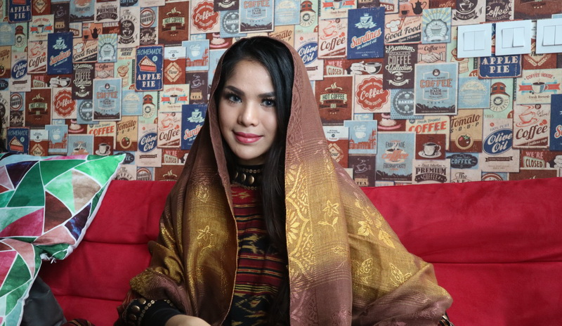 https: img-z.okeinfo.net content 2018 05 17 205 1899247 sambut-bulan-ramadan-jebolan-indonesian-idol-eksis-dengan-single-religi-0AKamKIrLS.jpg