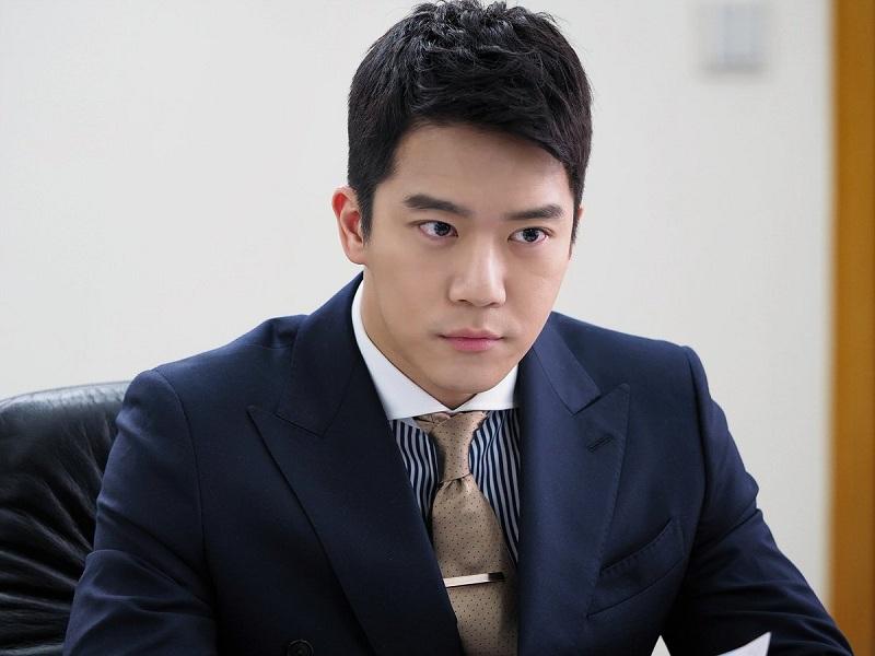 https: img-z.okeinfo.net content 2018 05 17 206 1899628 ha-seok-jin-dan-go-won-hee-akan-beradu-akting-dalam-your-house-helper-sWrQAzXyJy.jpg