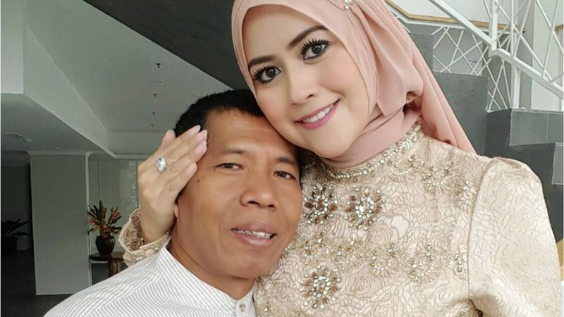 https: img-z.okeinfo.net content 2018 05 21 33 1900907 di-bulan-ramadan-kiwil-mencoba-adil-untuk-kedua-istrinya-dWKBNEVy4s.jpg