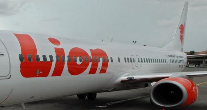 https: img-z.okeinfo.net content 2018 05 24 519 1902397 dua-kali-turun-mendadak-usai-terbang-penumpang-lion-air-minta-refund-Sz4YBIACvh.jpg